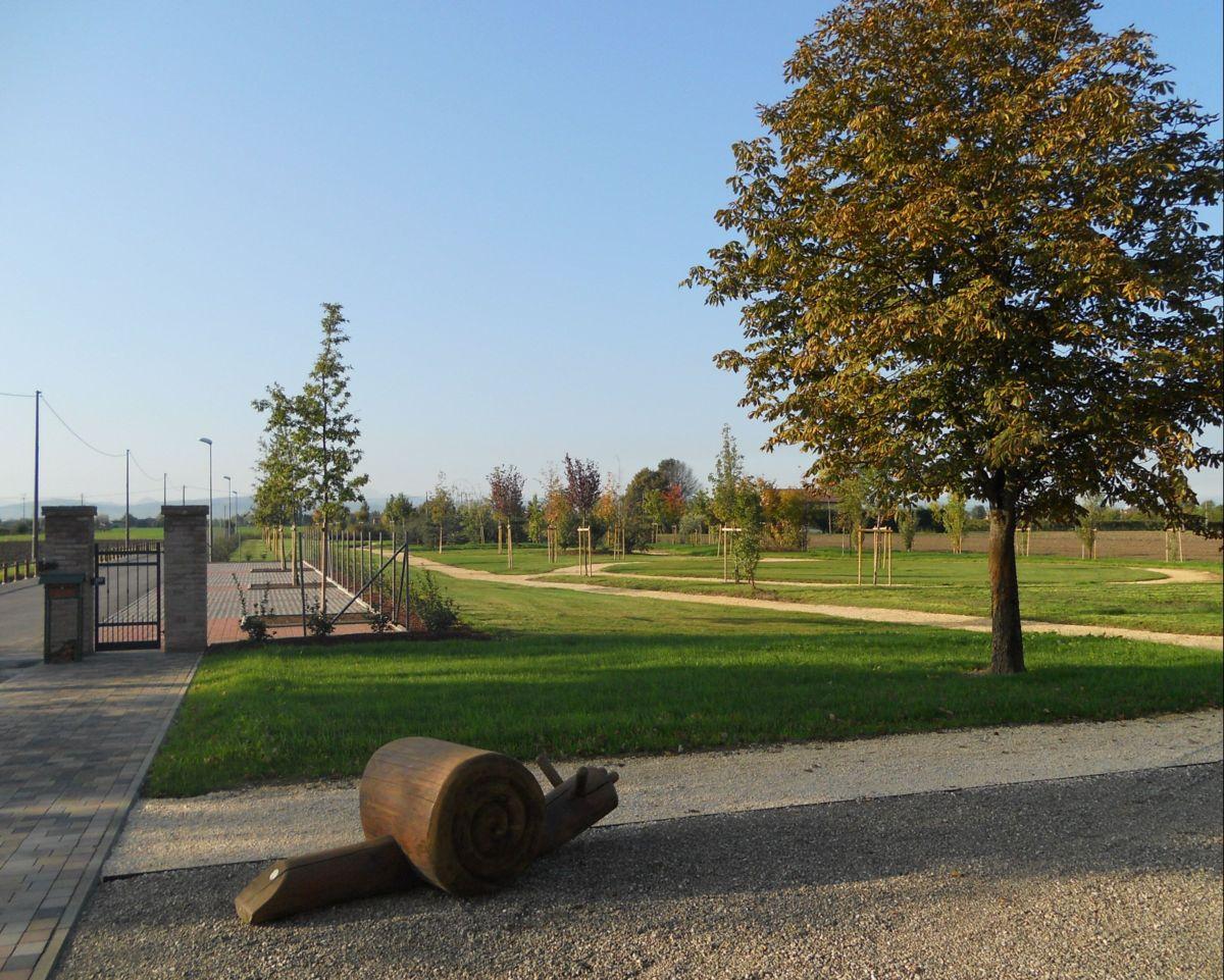 ...  la nostra chiocciolona si avvia lentamente verso il parco