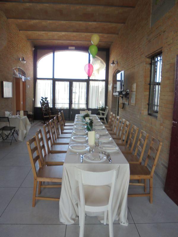 Matrimonio: il tavolo con 20 bambini è stato allestito sotto il porticato (porta morta)