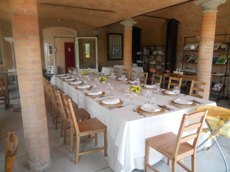 Pranzo di Pasqua privato servito da Catering nella vecchia stalla.