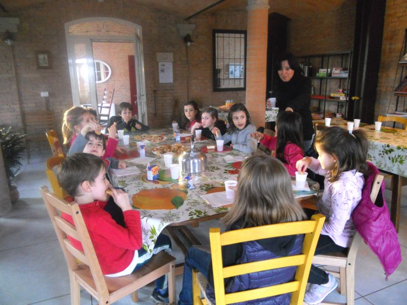 Nella Vecchia Stalla svolgiamo attività ricreative rivolte ai bambini