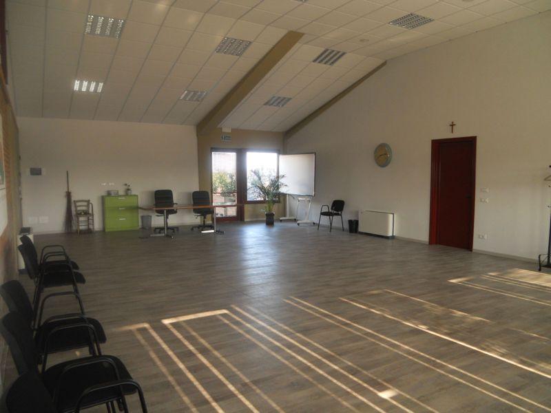 Adatta per un bel corso di Scuola di ballo!