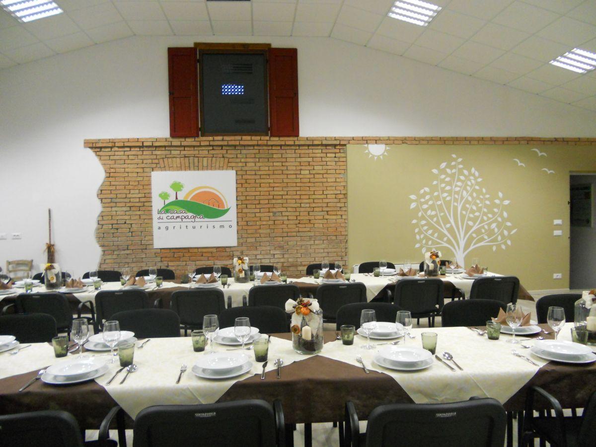 Nella sala polivalente si possono organizzare cene fino a 70/80 posti comodamente seduti