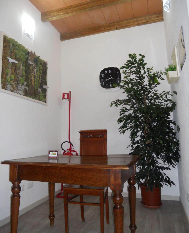 La reception situata all'ingresso della sala polivalente