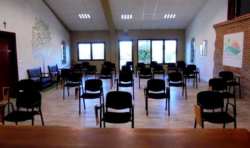 Con regole Covid19 la sala ha una capienza massima di n. 30 posti