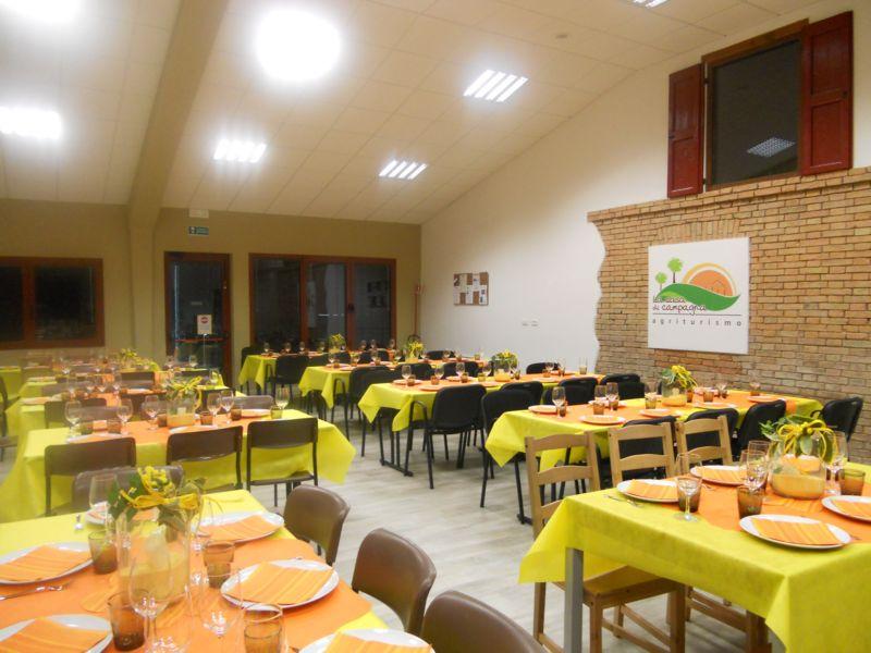Festa della donna (e non solo), una cena benefica servita da catering nella salone polivalente