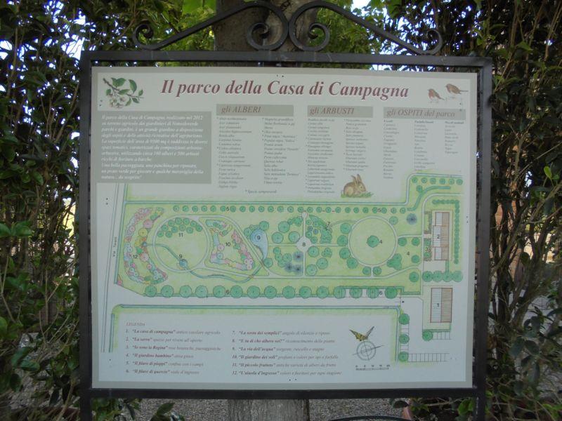 Una dettagliata cartina del nostro parco con i nomi delle piante e degli arbusti presenti è stata di aiuto per i più interessati alla visita delle ore 16.00