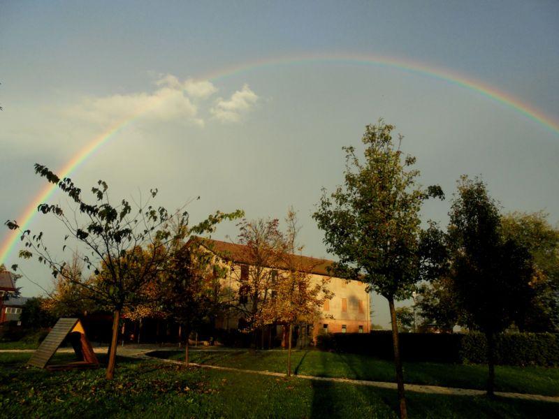 """E per finire...  un """"regalo piovuto dal cielo""""  questo arcobaleno sulla Casa di Campagna !"""